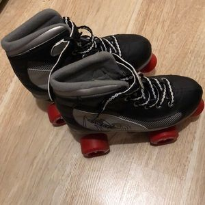 Shoes - Roller derby skates fit size 6 to 6 1/2